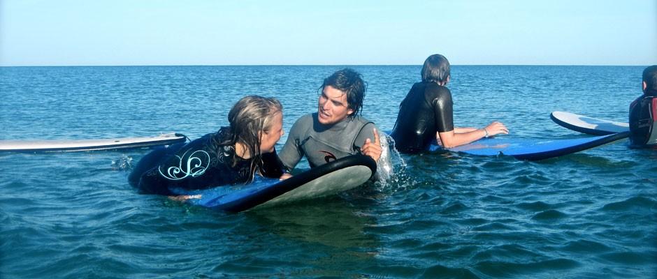Apprendre le surf avec Pirate Surf School